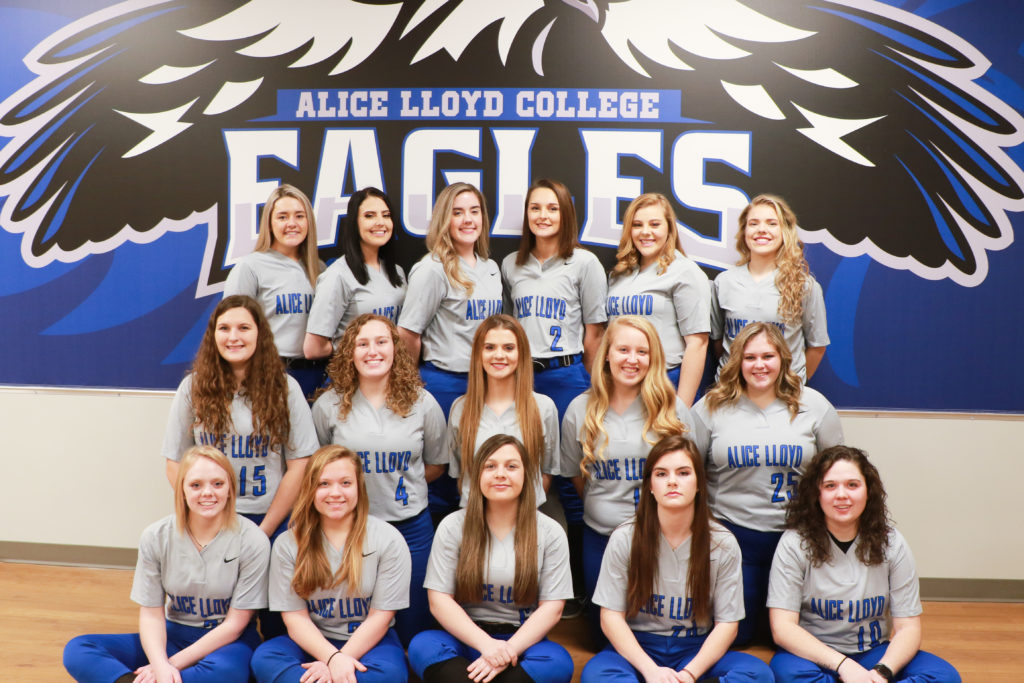 2019 Softball Team Photo